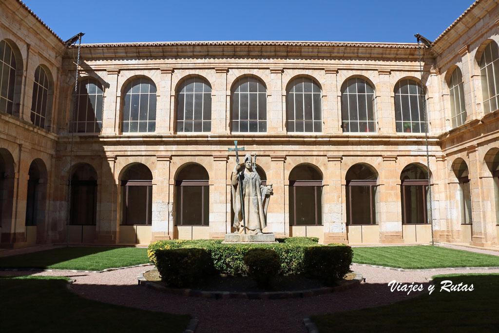 Claustro herreriano de Santa María de la Huerta