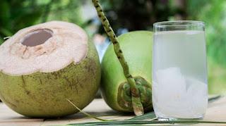 Air Kelapa Bagus Untuk Kesehatan, Terutama Saat Bulan Puasa