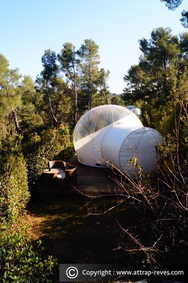 12-Glamour-bubble-Attrap-Rêves-Architecture-with-the-5-Bubble-Hotel-Rooms-www-designstack-co