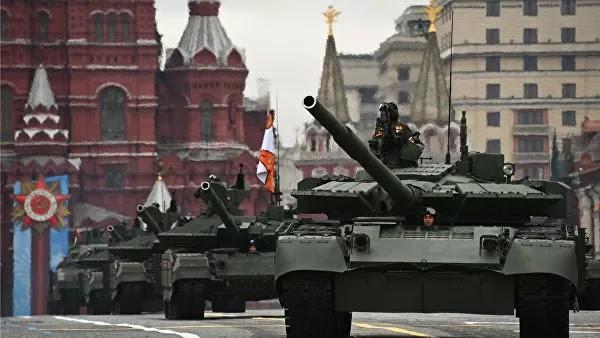 Ρωσία: Μεγαλειώδης στρατιωτική παρέλαση στην Κόκκινη Πλατεία για την Ημέρα της Νίκης