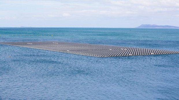 Nordeste agora tem uma usina solar que flutua sobre o Rio São Francisco