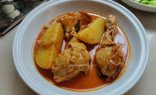 kari ayam dan kentang