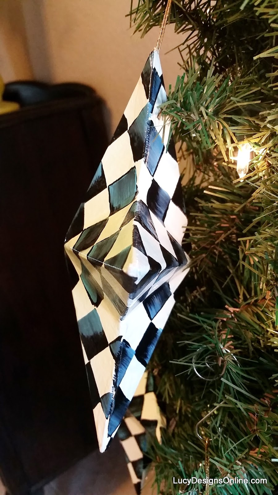 reversible black and white check star ornaments