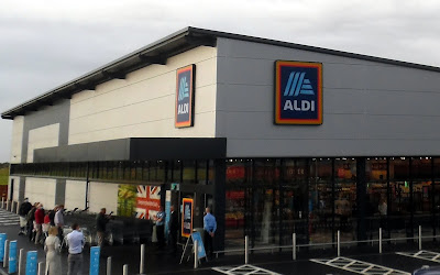 The first shoppers waiting to use the new Aldi store in Brigg when it opened on September 24, 2020
