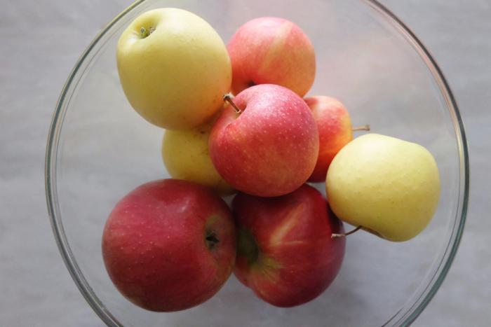bowl of Michigan apples