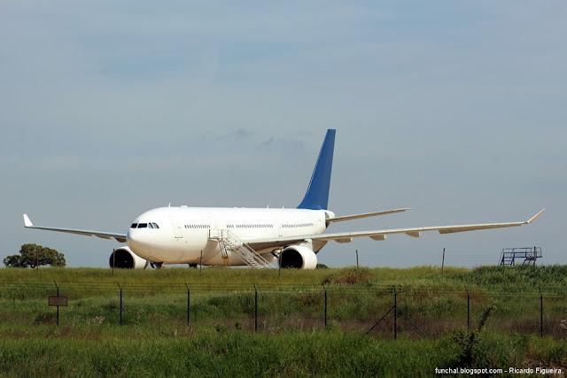 AEROPORTO DE BEJA - LPBJ - AIRBUS A330-223 - CS-TQW