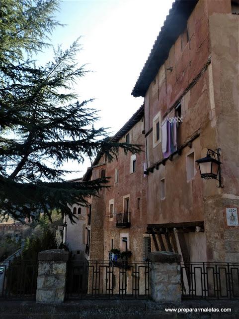 casas colgadas en Albarracín