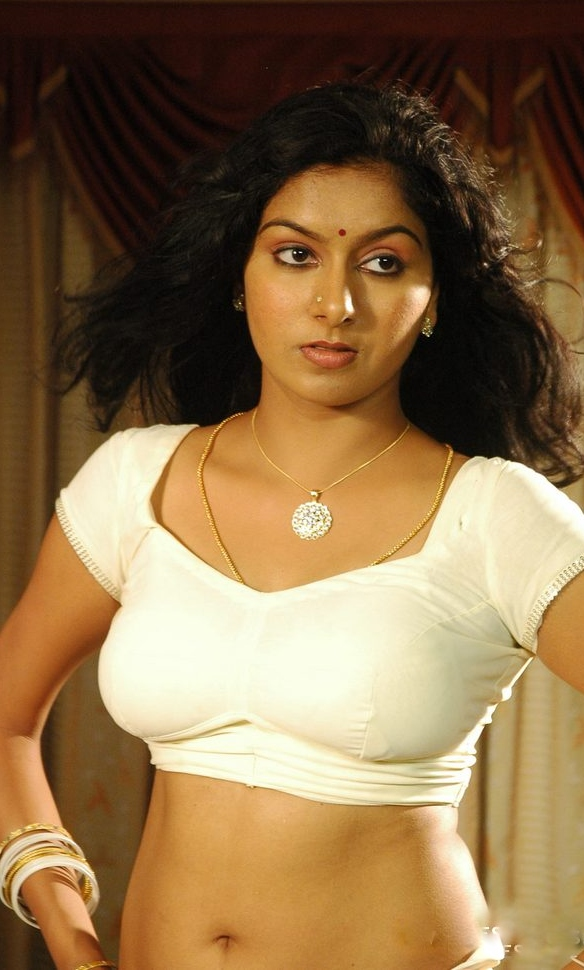 Tamil Aunty With Saree