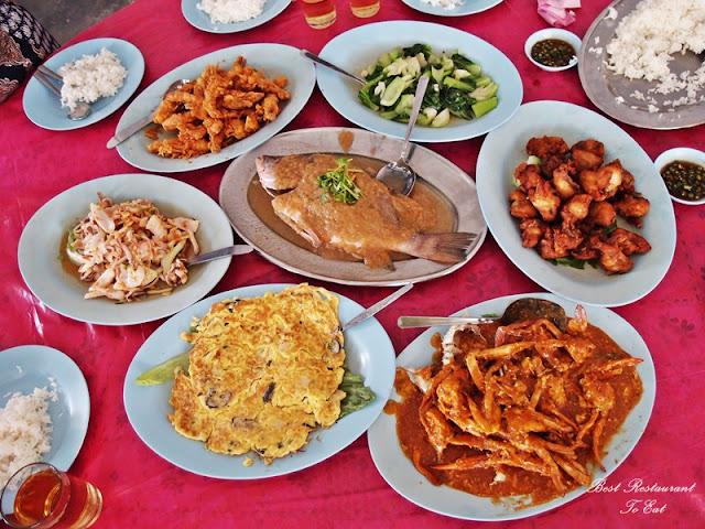 Lunch At Sengat Seafood Restaurant Teluk Sengat