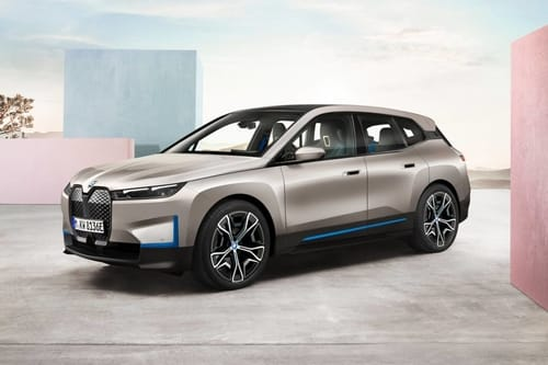 BMW iX: the first luxury car with 5G connectivity