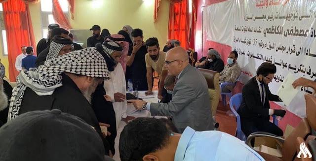 ذي قار.. وفد حكومي يكرم 120 عائلة من شهداء التظاهرات