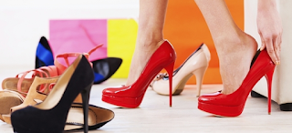 Sepatu Hak Tinggi, Cantik Tapi Tidak Sehat