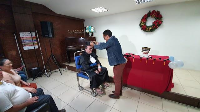 Paciente cola grau dentro de hospital em Anápolis