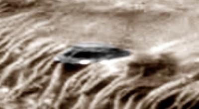 Lo fotografiado en Marte es una nave circular con ventanillas