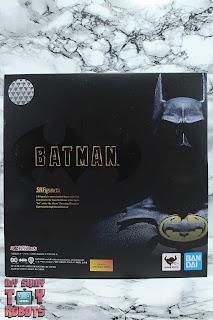 S.H. Figuarts Batman (1989) Box 01