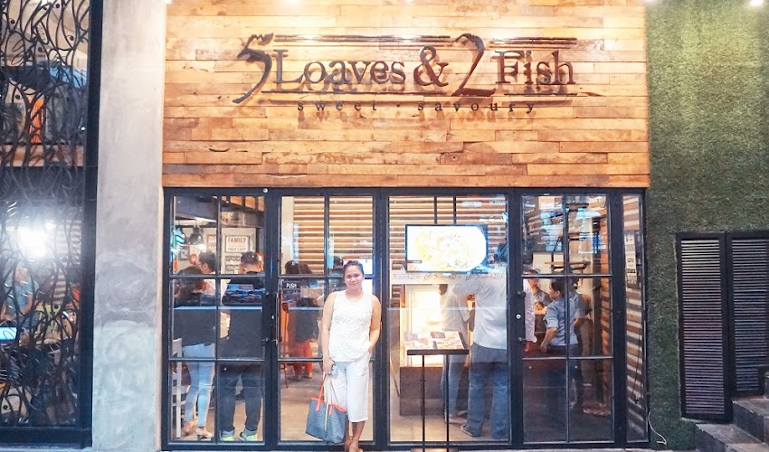 5 Loaves and 2 Fish Restaurant - a soulful food on your table.