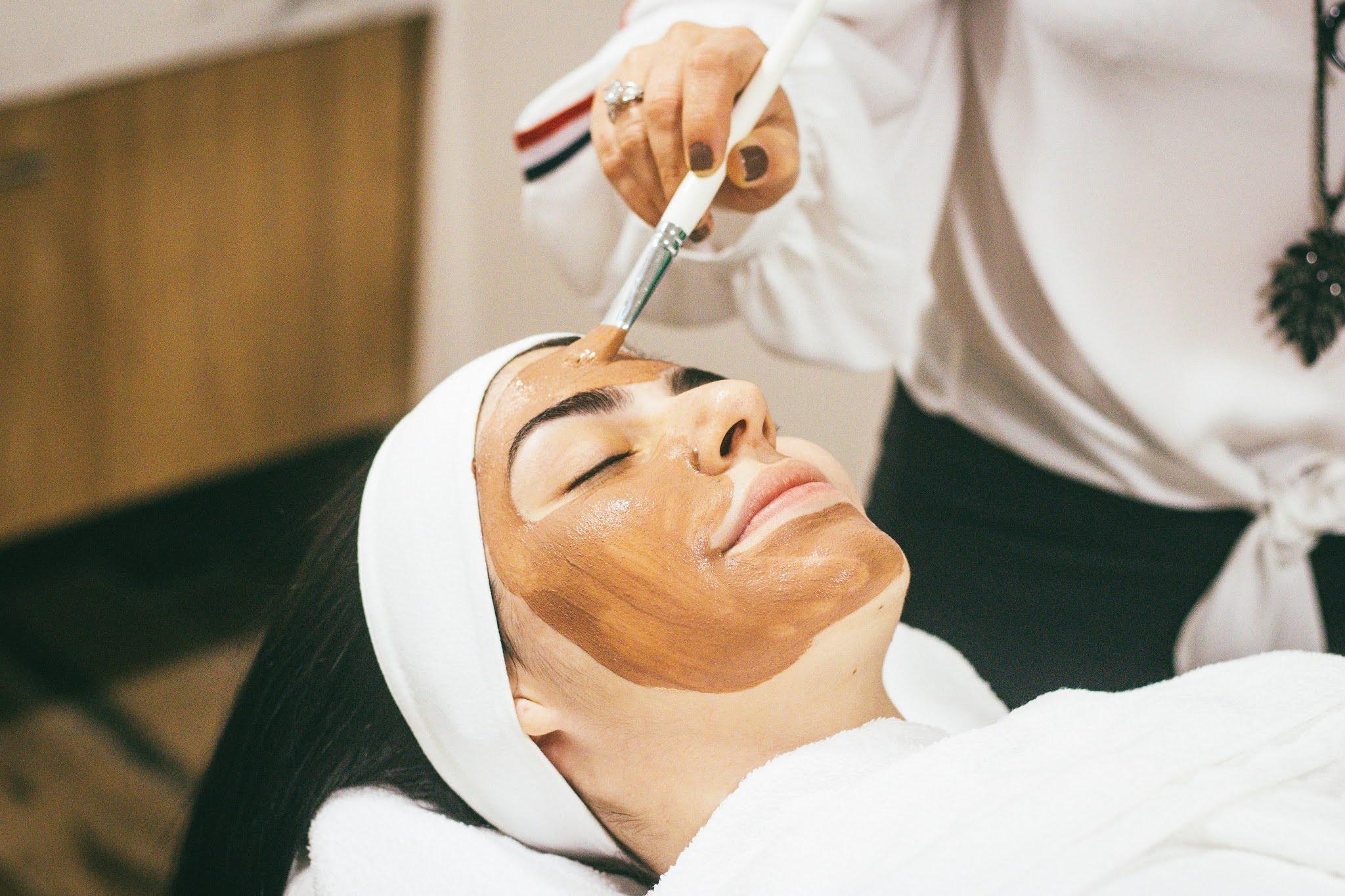 Co mogę dowiedzieć się na kierunku kosmetologii, korzyści ze studiowania kosmetologii