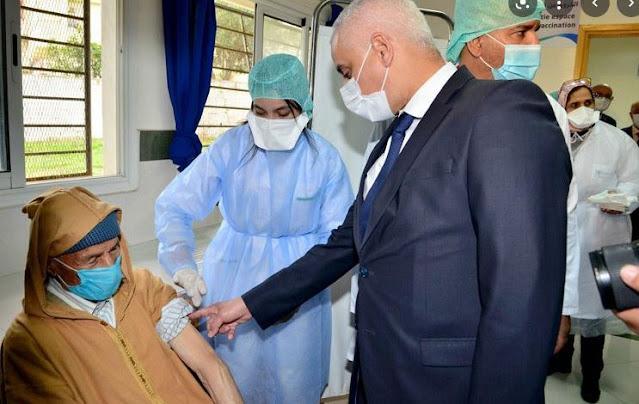 التلقيح بالمغرب: جرعة ثالثة ضد كورونا لهذه الفئة أمر محسوم و تعميمها على فئة 50 سنة قيد الدرس