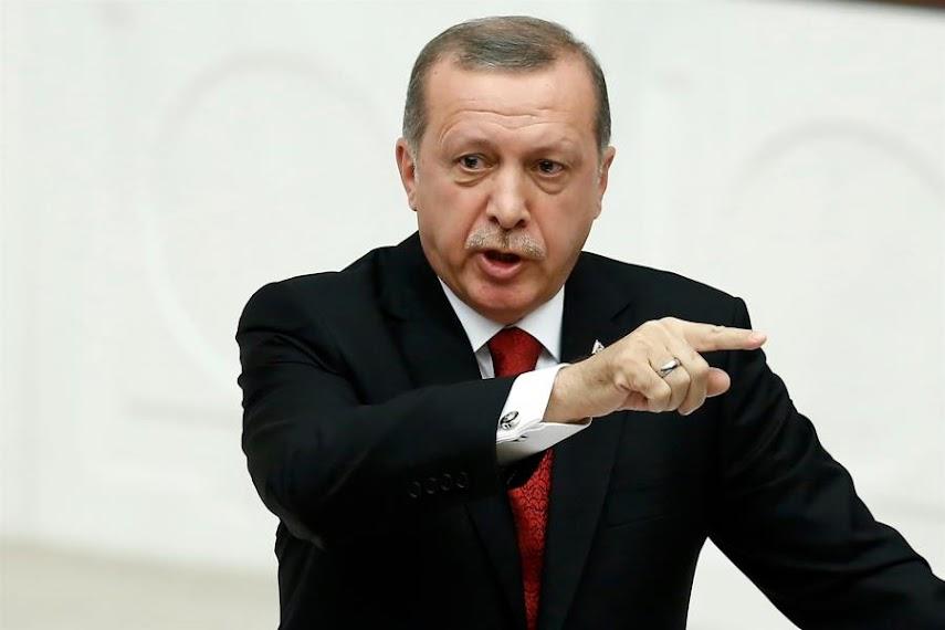 Ερντογάν: «Απειλή πραξικοπήματος» η προειδοποίηση των 103 απόστρατων ναυάρχων