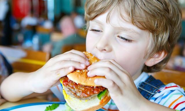 Βλαβερές και οι συσκευασίες του fast food