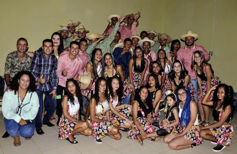 GUAJERU: PREFEITO GIL ROCHA PARTICIPA DE QUADRILHA NA COMUNIDADE TABULEIRO DE DENTRO - TANQUE NOVO