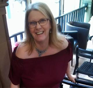 Image of Liz Mistry, author of Dark Memories