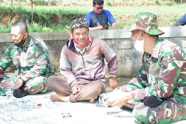 Bangga Dengan Sosok TNI Yang Selalu Membantu Kesulitan Rakyat