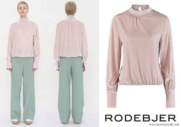 Princess Sofia wore RODEBJER Nanette Velvet Dusty Lilac top