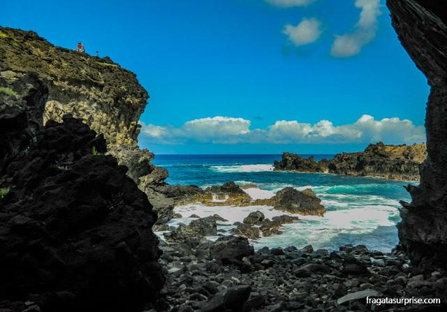 Caverna de Ana Kai Tangata, Ilha de Páscoa