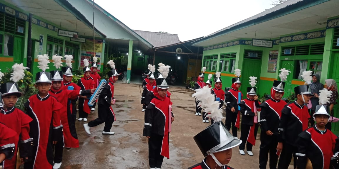 Drum Band Min 6 Kota Padang Semarakkan Khatam Qur An Tpq Ahlussunnah Kementerian Agama Provinsi Sumatera Barat