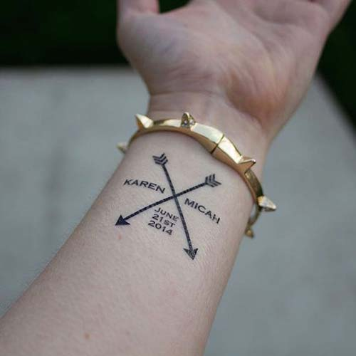 wrist couple name tattoo with arrow sevgili isim dövmesi bilek