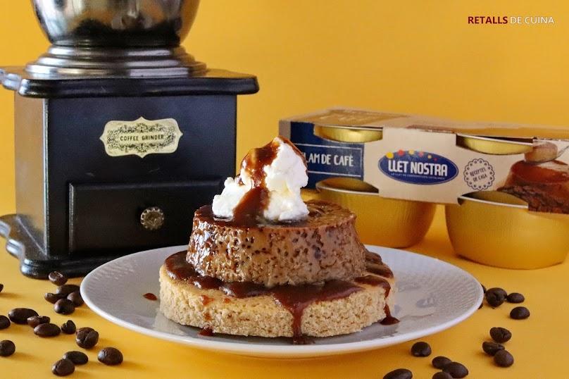 Flam de cafè amb bescuit i caramel de ratafia