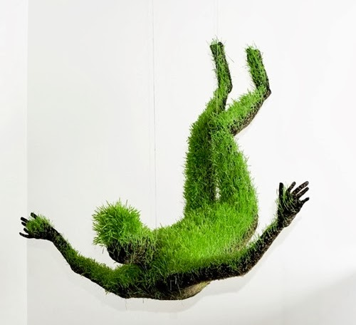 02-Mathilde-Roussel-Paris-Cycle-Of-Life-Lives-of-Grass-Soil-Wheat-Seeds-Recycled-Metal-&-Fabric-www-designstack-co