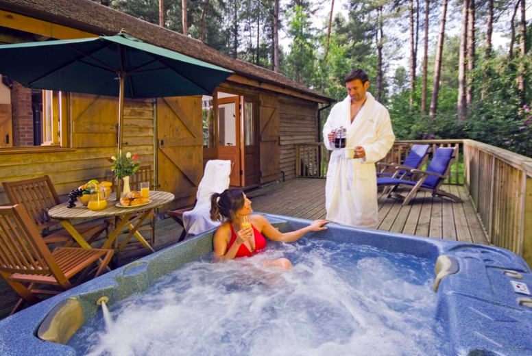 20 lodges with hot tubs within a 2 hour drive of Newcastle Upon Tyne - Griffin Forest