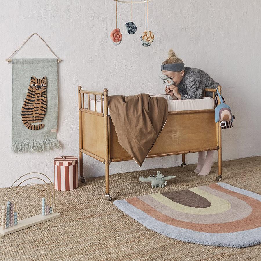 Decorar en familia | DEF Deco : Decorar con arcoíris el dormitorio infantil