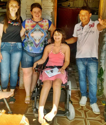 Roncador: Saúde entrega cadeiras de rodas motorizadas