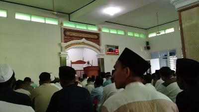 Khutbah solat id di masjid nurul falaq ujung jaya