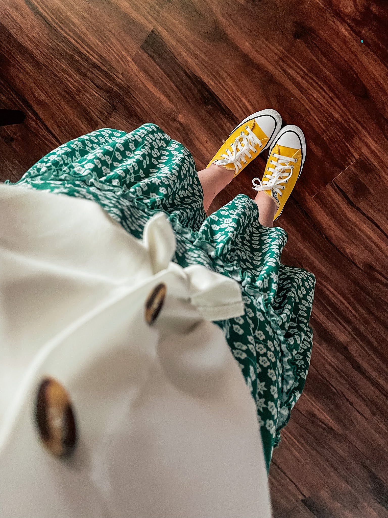 green-floral-skirt-yellow-converse