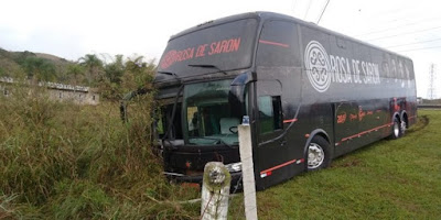 ônibus da banda rosa de saron