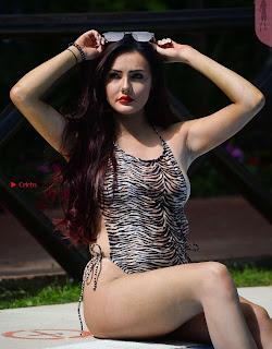Sarah-Goodhart-In-Swimwear-On-holiday-in-Marbella-08+%7E+SexyCelebs.in+Exclusive.jpg