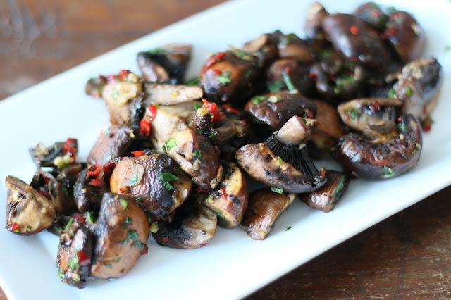 Champiñones al Ajillo (Garlic Mushrooms)