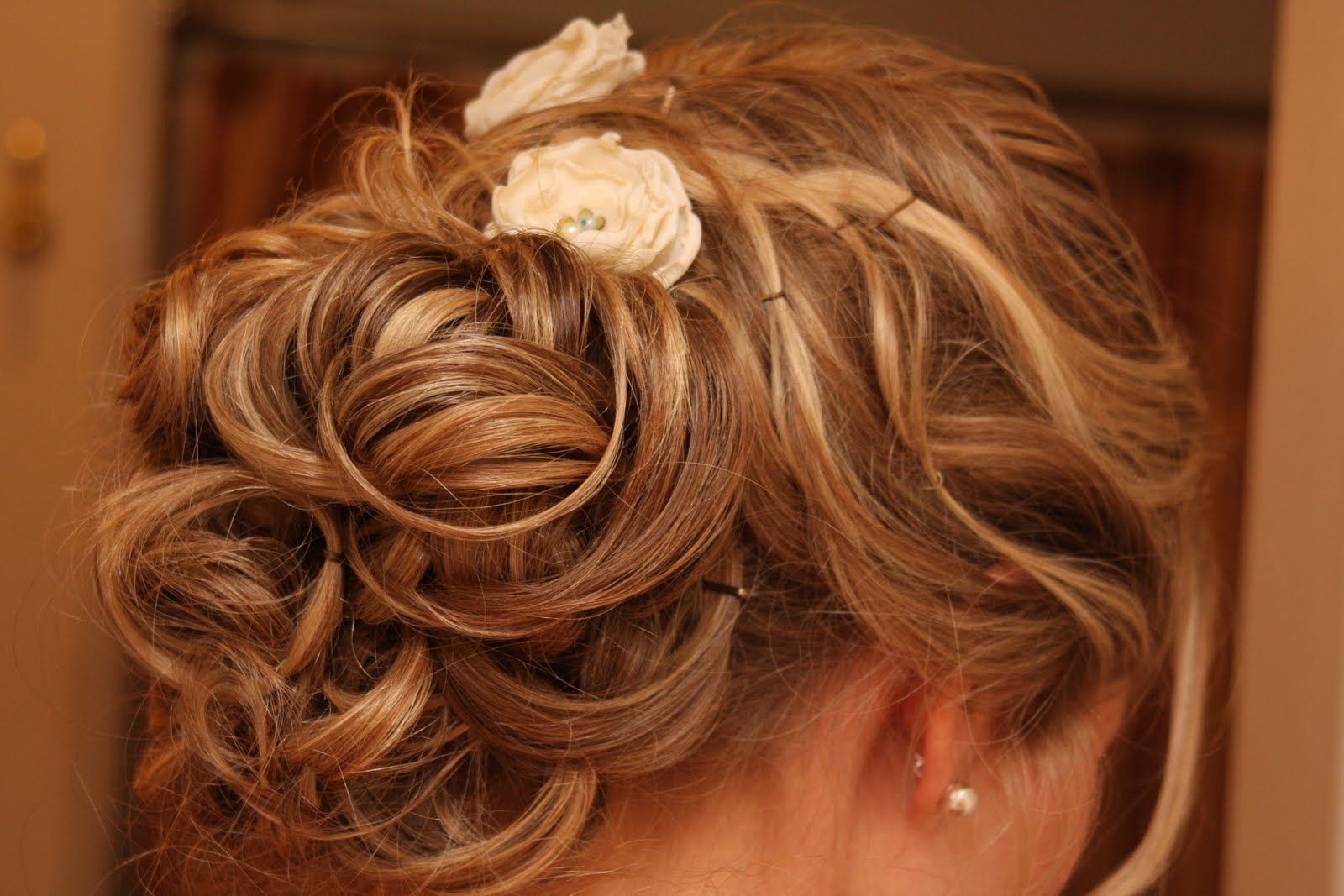 romantic half updo wedding hairstyle for thin hair | bride