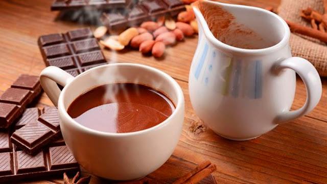 Cómo preparar una deliciosa bebida de chocolate con cacao para días decembrinas