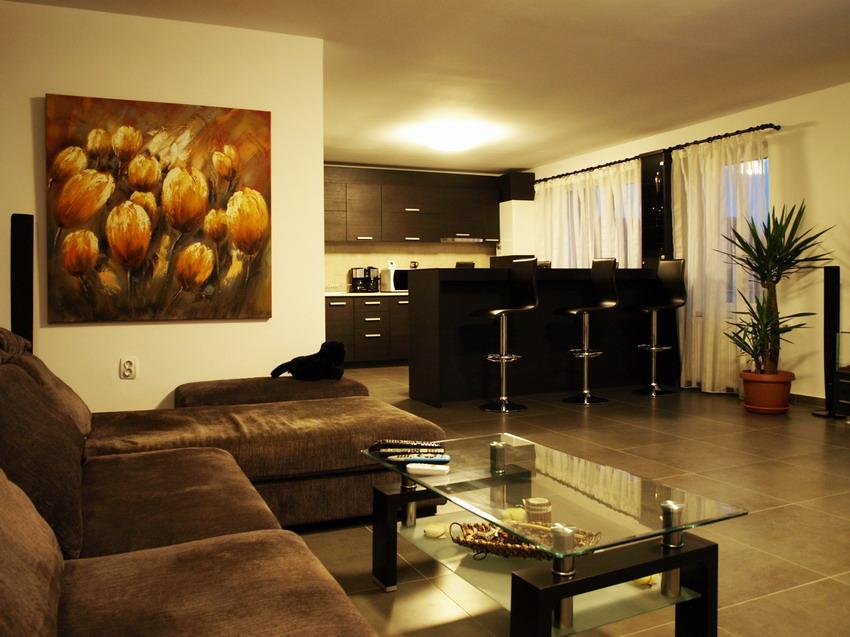 Casa immobiliare accessori idee arredo salotto for Salotto arredamento moderno