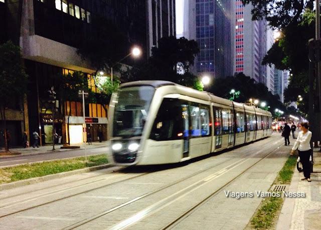 Vista do VLT na Avenida Rio Branco