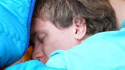 ngiler, iler, tidur tengkurap, ngeces
