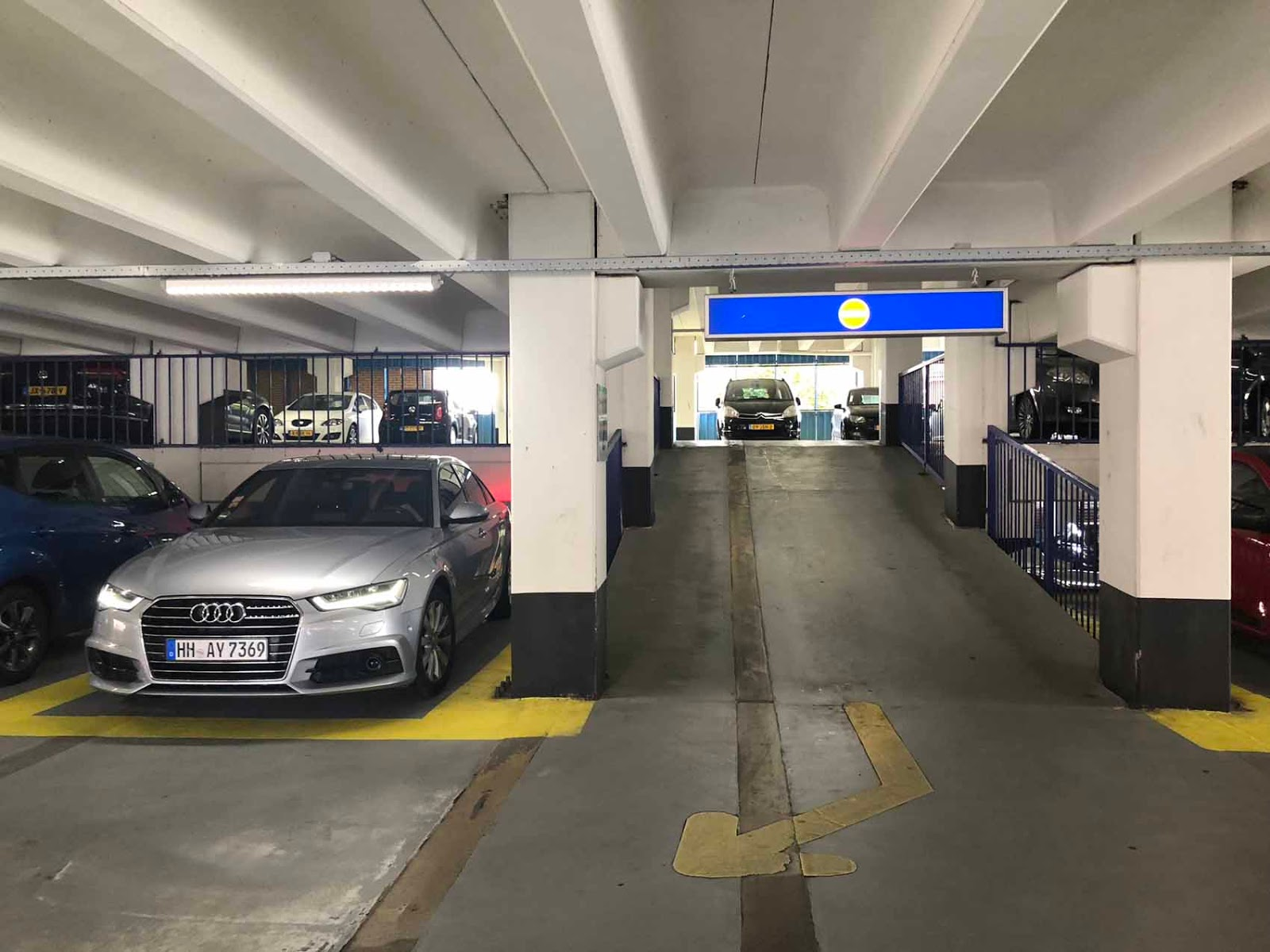 Groningen parking Audi A6