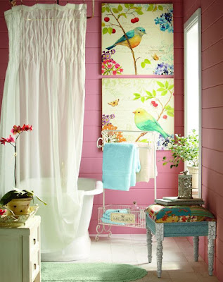 Creating an eye-catching bathroom idea