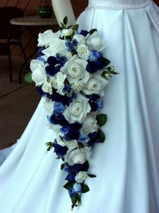 Blue wedding flowers early flower if you had been planning a royal wedding ceremony then you must consider adding royal blue wedding flowers in your wedding decorations mightylinksfo