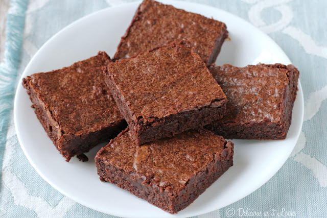 Low-FODMAP, Gluten-Free, Gum-Free FUDGE BROWNIES  /  Delicious as it Looks